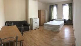 A spacious king size room to rent in BARKING&DAGENHAM inclusive bills