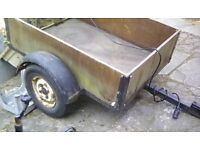 Hi here is a 4x3,car trailer inderpendent surspention bac lights