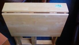 Light-wood drop-leaf table #33422 £30