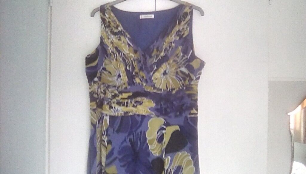cecc2346c7 Size 18 summer dress ideal for special occasion