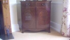 TV cabinet. Reproduction mahogany