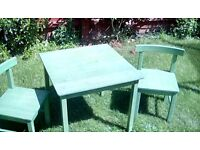 Children's play table and 2 chairs