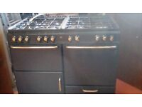 Triple oven gas stove working order but needs service