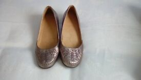 Ladies footglove shoes size 6