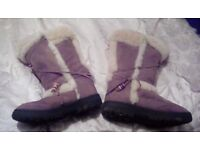 Ladies sheepkin and suede ugg boots size 6