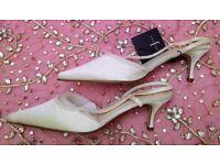 NEW JASPER CONRAN Designer Wedding Shoes Ivory Satin Bead Sling Back Kitten Heels Size 8 BRIDESMAID