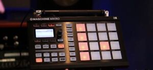 Maschine Mikro drum machine
