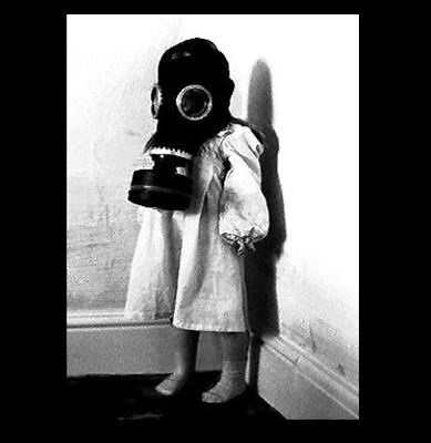 Vintage Creepy Child Gas Mask PHOTO Scary Naughty Girl Freak, WORLD WAR (Creepy Gasmask)