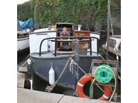 Beautiful houseboat for rent in Brentford