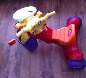 Tricycle Dora Fisher Price