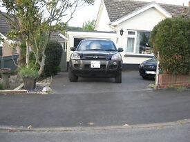Hyundai Tucson suv. diesel auto. black. four wheel drive. privacy glass.