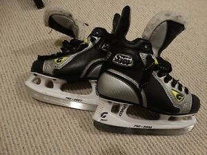 Graf Boys Hockey Skates - 2.5
