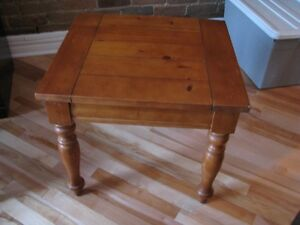 Table d'appoint style antique