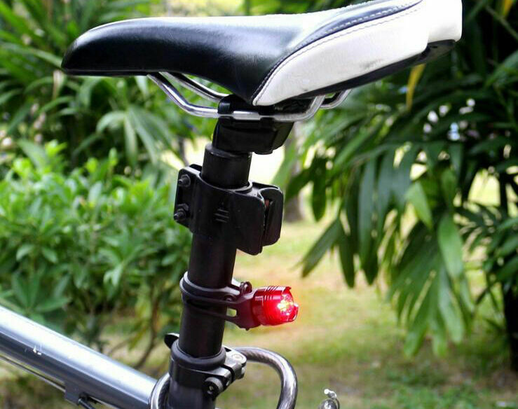 Lumintrail USB Rechargeable 800 Lumen LED Bike Light with Free Tail Light