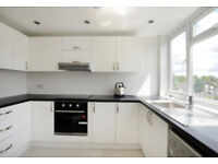 2 Bedroom Apartment, Blackwater, Camberley, £900 pcm **NO AGENCY FEES ** NO HIDDEN CHARGES**