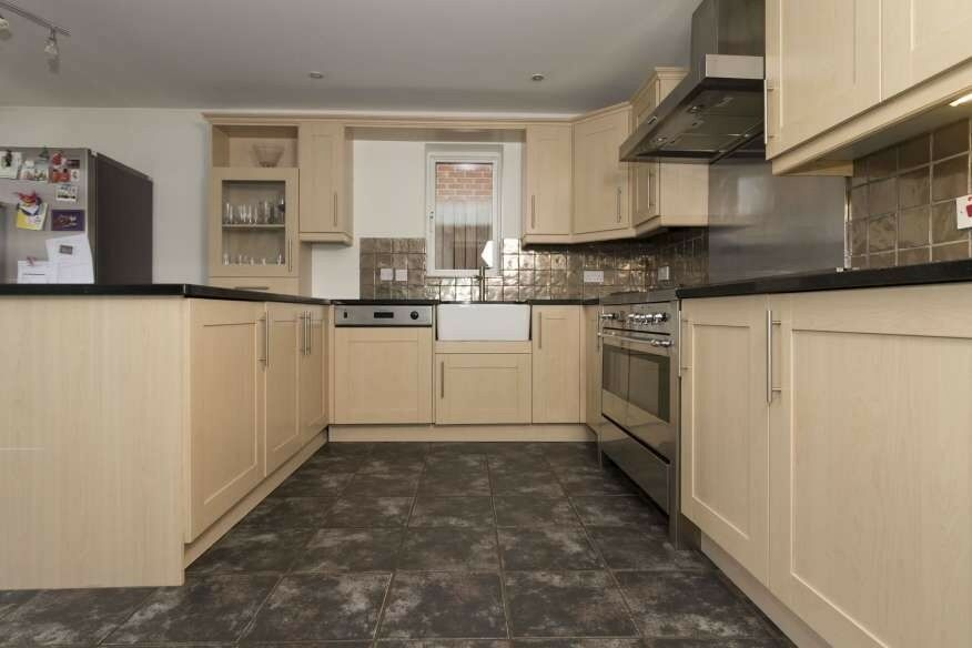 SOLD Traditional Shaker Used Kitchen, Granite Worktops, Electrolux Appliances, Rosieres Range Oven