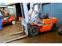 Komatsu 2T Diesel Forklift