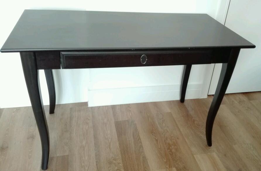 Black brown table