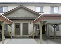 INVESTOR ALERT! Beautiful Tonwhome in Courtenay, B.C.
