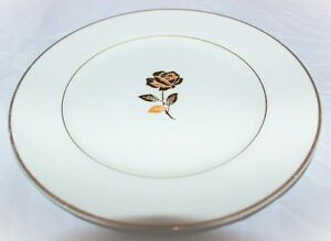 Dish with Gold Accents Dessert Size  Plat accent d'or *~*~*~*~! West Island Greater Montréal image 2