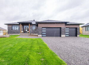 Stunning New 3 Bed, 3 Bath Bungalow in Greely!
