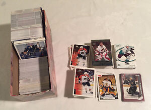 box of approx. 1000  hockey cards various years Edmonton Edmonton Area image 1