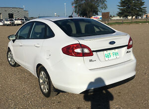 MUST SELL! Family expanding! 2012 Ford Fiesta SE Sedan Regina Regina Area image 3