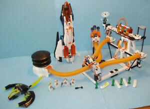 LEGO ESPACE no 7690, la BASE de COMMANDEMENT AIGLE MB-01