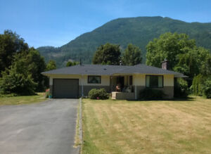 ONE ACRE + HOME  5 minutes to Harrison Hot Springs