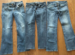 5 Pairs of Women's American Eagle Jeans