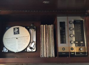 Vintage STEREO CONSOLE with TURNTABLE, FM RADIO