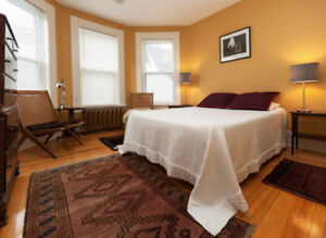 Lovely Room with ensuite bath in Old Town Lunenburg Dec 1-Apr 30