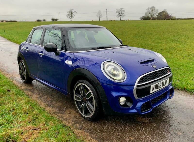 Mini Cooper S Blau