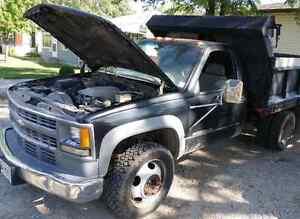 2001 Chevy 3500HD Diesel Landscaping Truck