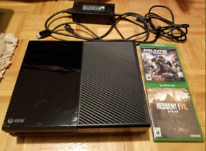 Xbox One 500 GB - with Gears 4, Resident Evil 7