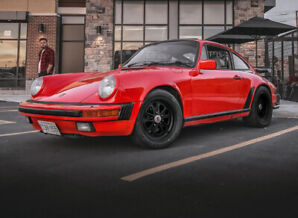 1984 Porsche 911 Coupe (2 door)