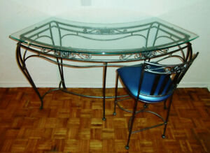 Wrought Iron Concave Counter Table and Counter Stool