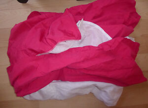 11 pillowcases, bed skirts (twin, double) $2 ea, twin duvet $10 Kitchener / Waterloo Kitchener Area image 4