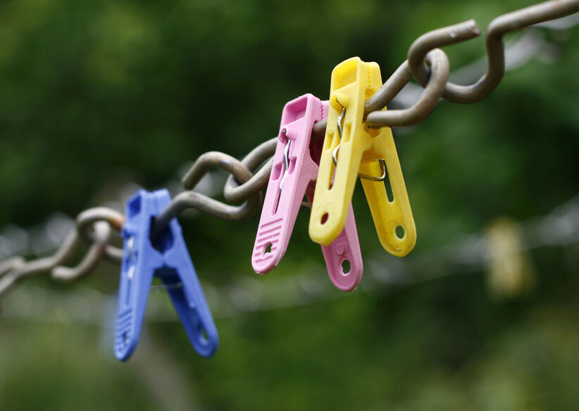 Considerations When Choosing Pegs for Outdoor Laundry Lines