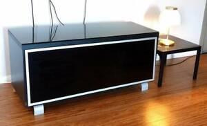 BEAUTIFUL BLACK WOOD, BLACK GLASS 130cm TV UNIT Hamilton Hill Cockburn Area Preview