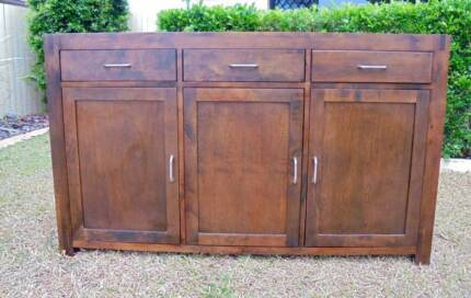 1.5m wide Solid Wooden 3 Drawer 3 Door Sideboard/Buffet