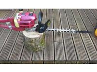 Petrol hedge trimmer in excellent condition starts and runs spot on