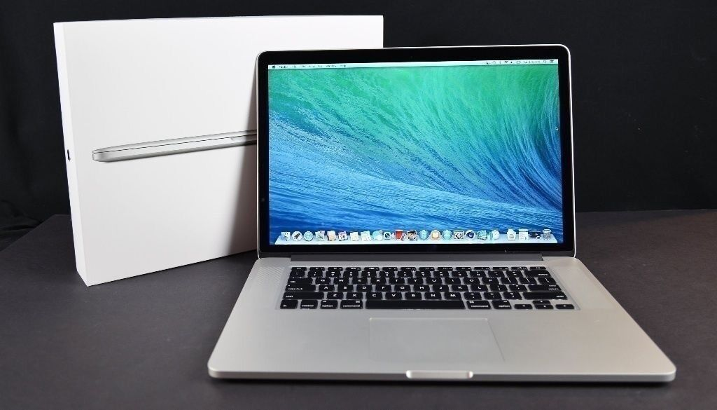 Apple MacBook Pro 15 inch *RETINA DISPLAY*Core i7 2.4 Ghz 8gb Ram 256 SSD LogicProX Adobe Final Cut