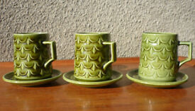 Retro 1970s Withernsea Eastgate Pottery 3 coffee cups green