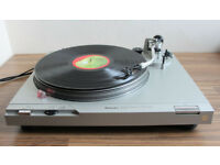 Technics SL-D2 Direct Drive Turntable with Ortofon OM Cartridge