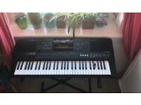Yamaha PSR E453 Keyboard Nearly New Condition