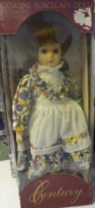Genuine porcelain doll - Poupée en porcelaine de collection