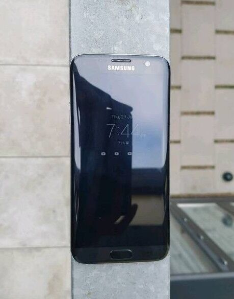 SAMSUNG GALAXY S7 EDGE IMMACULATE CONDITION