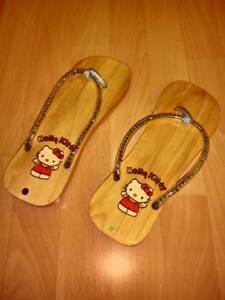 Hello Kitty Shoes : Size 7.5