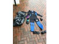 Wetsuit, accessories and waterproof bag